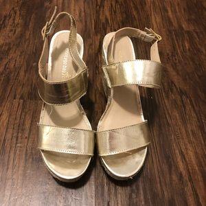 Montego Bay Gold size 7 Espadrille Wedge Sandal